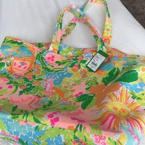 Handbags - Lilly Pulitzer tote